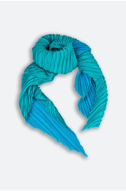 Directional Pleat Scarf