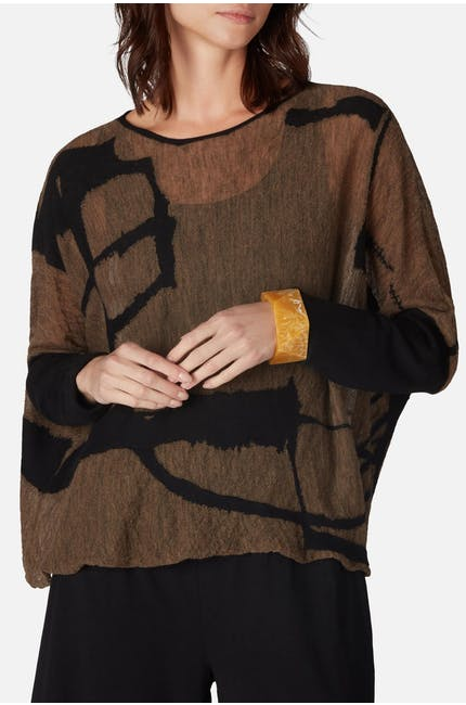 Graphic Short Knit Top