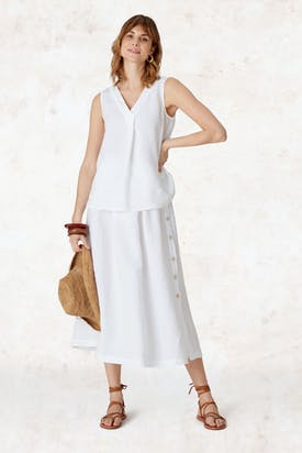 Photo of Linen Pleat Front Vest