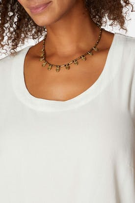 Photo of Short Leaf Detail Necklace